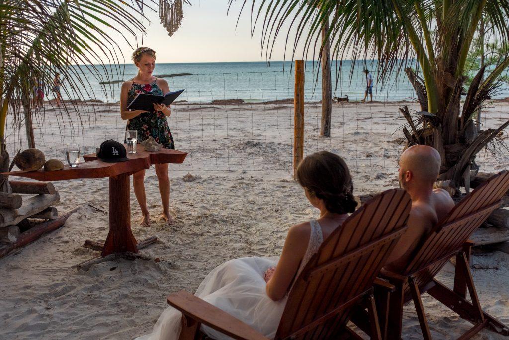 Frau Pi Hochzeitsrednerin Freie Traurednerin Rede Mexiko Beachwedding Destination Wedding Ceremonia Hochzeit am Meer