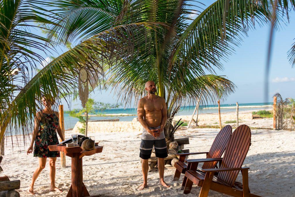 Freie Trauung Strand Beachwedding Strandhochzeit Bräutigam Zeremonie First Look