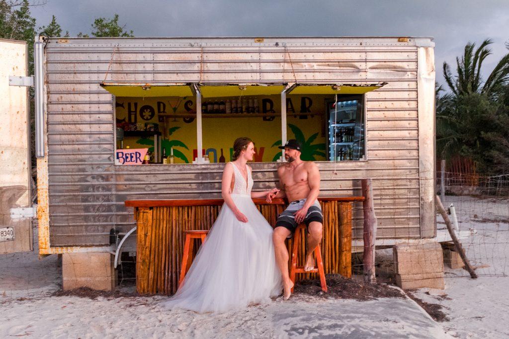 Weddingphotograpger Shooting BEach Brautpaar Bride groom just married